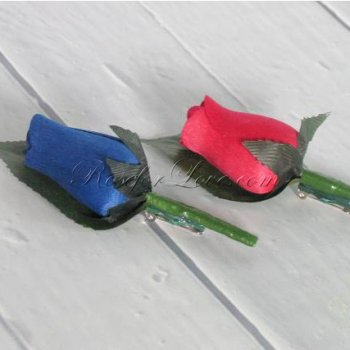 Wooden Rose Blue and Red Buttonholes (a Set of 2)