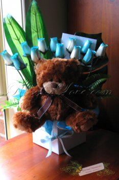 Wooden Rose Arrangement in Gift Box (12 Rosebuds with Teddy Bear