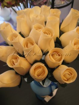 800 Wooden Rose White Buds