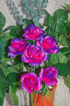 600 Blooming Pink-Purple Wooden Roses (2 Color Options)
