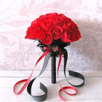 600 Half Blooming Red Wooden Roses (3 Color Options)
